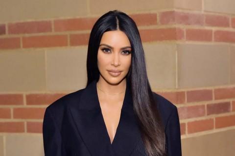Sewa Pulau untuk Pesta Ulang Tahun, Kim Kardashian Dikecam Artis Senior