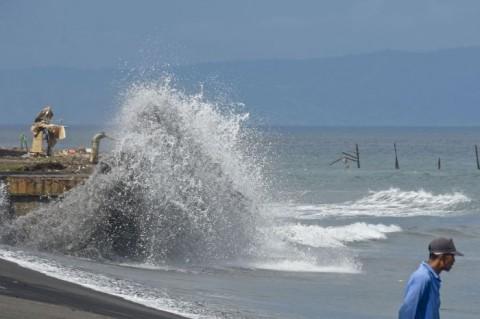 BMKG: Gelombang Tinggi 6 Meter di Sejumlah Perairan Indonesia