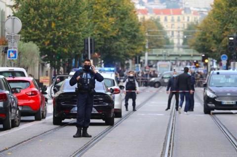 Prancis Tingkatkan Level Keamanan Menjadi Maksimum Usai Serangan Nice