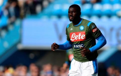 Diminati Liverpool, Koulibaly Tegaskan Cinta Napoli