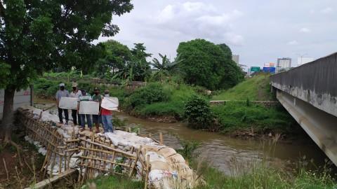 Tanggul Kali Angke Jebol, Warga Was-was Kebanjiran