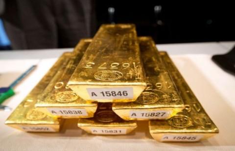 Akhir Pekan, Harga Emas 24 Karat Antam Betah di Bawah Rp1 Juta