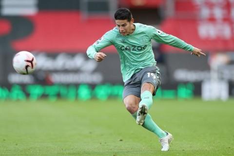 Jumpa Newcastle, Everton Bakal Simpan James Rodriguez