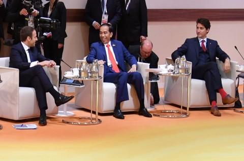 Hikmahanto: Jokowi Perlu Lakukan Kontak dengan Macron