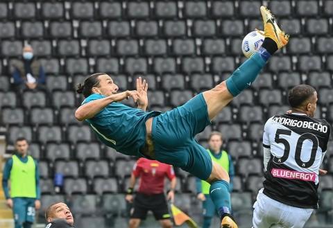 Udinese vs AC Milan: Tendangan Salto Ibrahimovic Tentukan Kemenangan Rossoneri