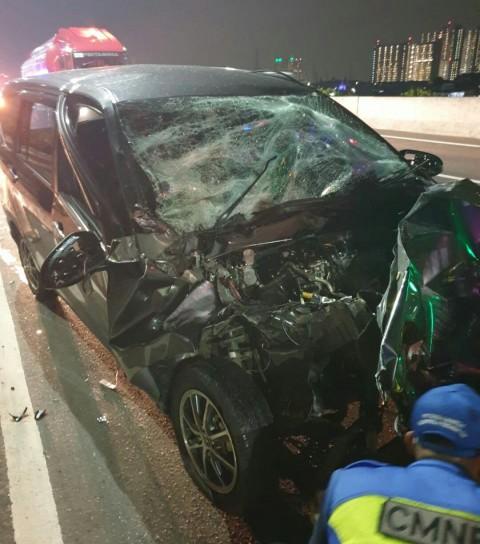 Minu Bus dan Truk Trailer Terlibat Kecelakaan di Tol Jakut, Sopir Kabur