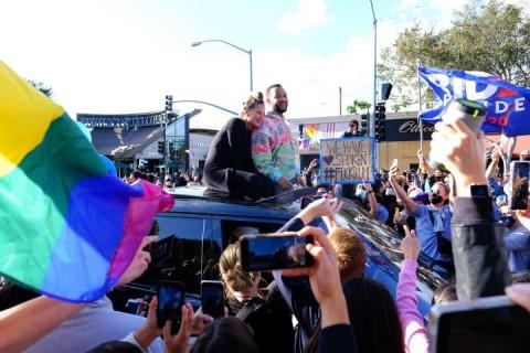 Joe Biden Menang, Istri John Legend Tertawai Pendukung Donald Trump
