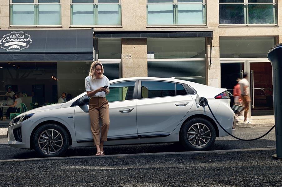 Hyundai Ioniq 100 persen bertenaga listrik. Hyundai