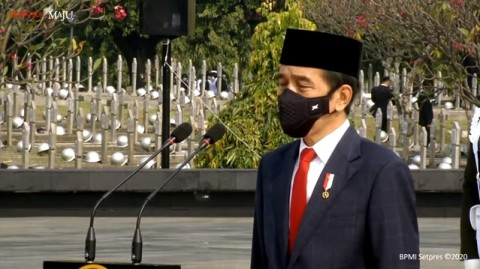 Jokowi Leads Ceremony to Commemorate National Heroes Day