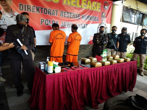 Polda Jabar Ungkap 10 Kg Sabu Disembunyikan dalam Ban Truk
