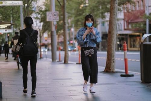 Lakukan ini jika kamu sedang berada di tempat umum dalam masa pandemi covid-19. (Foto: Pexels.com)