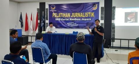 Kader NasDem Jepara Dibekali Pelatihan Jurnalistik