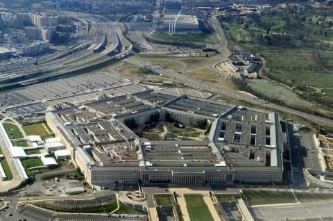 Petinggi Pentagon Beramai-ramai Mundur usai Trump Pecat Menhan
