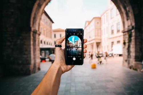 Ini cara meningkatkan kualitas video dari handphone kamu. (Foto: Pexels.com)