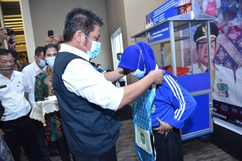 Herman Deru Beri Reward Perusahaan dan Pemda Peduli UMKM