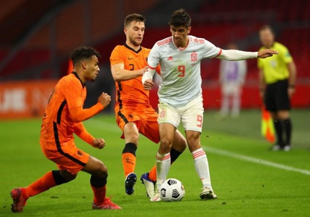 Belanda vs Spanyol: Donny van de Beek Selamatkan Belanda ...