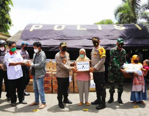 Kapolda Jateng Menilik Pengungsi Merapi di Desa Balerante