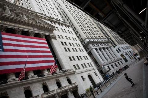 Dow Jones Tumbang, S&P-Nasdaq Kompak Merekah