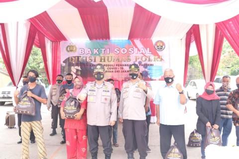 10 Ribu Paket Sembako Polri Disebar ke Seluruh Indonesia
