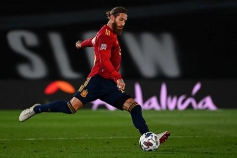 Pujian Enrique untuk Ramos yang Cetak Rekor