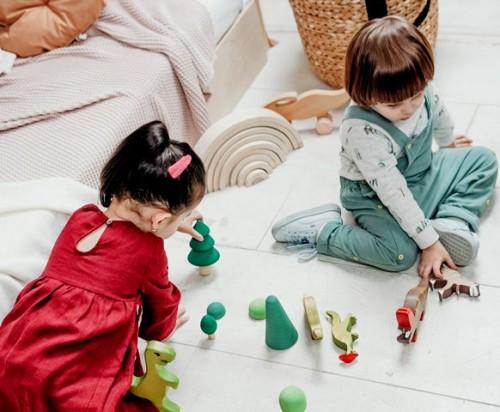 Berikut ini adalah hal yang perlu kamu perhatikan sebelum membeli mainan si kecil. (Foto: Pexels.com)