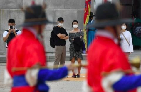 Tak Gunakan Masker, Warga Korsel Didenda Rp1,3 Juta