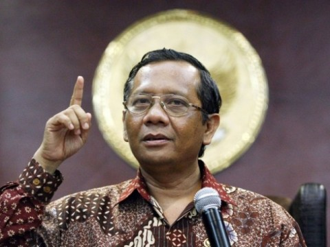Mahfud MD Apresiasi Penetapan 8 Anggota TNI AD Tersangka Pembakar Rumah Dinkes