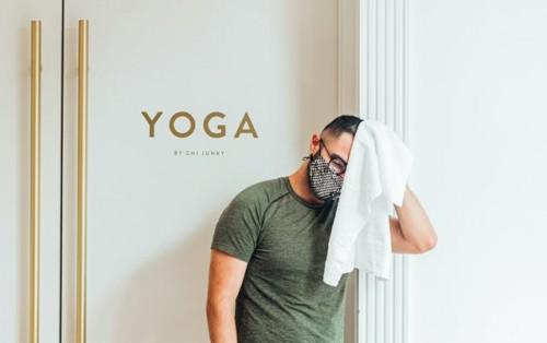 Biasanya selesai olahraga masker kamu juga basah dan bau. Segera ganti ya dengan yang baru. (Foto: Pexels.com)