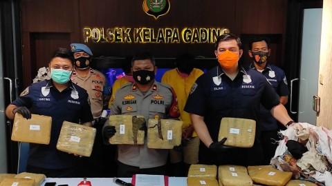 Dua Pengedar Ganja Jaringan Sumatra Ditangkap