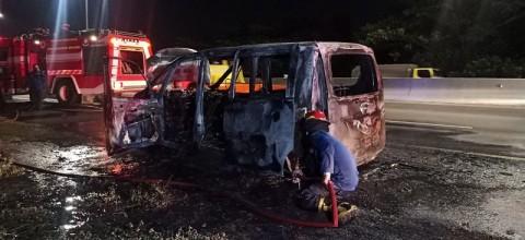 Mobil Terbakar di Tol Sidoarjo Diduga Akibat Korsleting