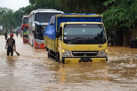 Jalan Nasional Purwokerto-Yogyakarta Terendam
