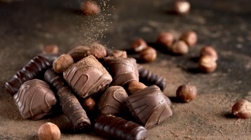 Cokelat hitam kaya akan vitamin termasuk zat besi dan kalsium, sehingga sangat membantu kelembapan kulit. (Foto: Ilustrasi. Dok. Freepik.com)