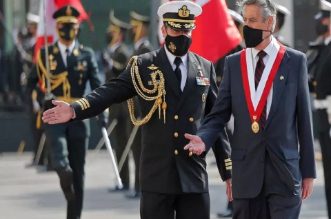 Resmi Dilantik, Presiden Interim Peru Serukan Ketenangan