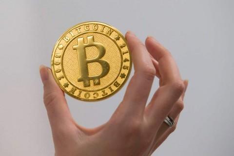 Capai Level Tertinggi, Bitcoin Tembus USD18 Ribu/Koin