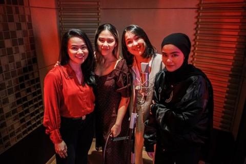 Nuansa Baru Lagu Reflection Versi Empat Penyanyi Wanita Indonesia