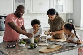 Pentingnya Sarapan sebelum Anak Belajar dari Rumah