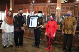 Bupati Jepara Terima Penghargaan dari Undip