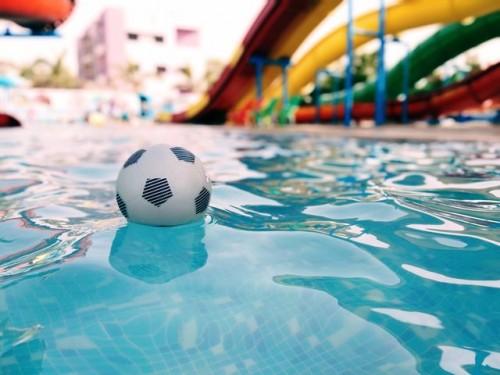Apakah kamu bisa terkena covid-19 di kolam renang? Berikut kata ahli dari WHO. (Foto: Ilustrasi/Pexels.com)