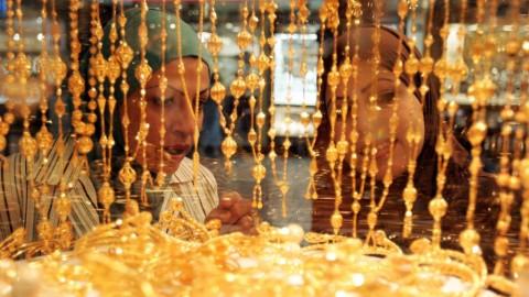 Rilis Angka Ekonomi Pudarkan Kemilau Emas Dunia