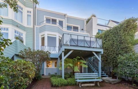 Winona Ryder Jual Rumah Bergaya Kolonial Seharga Rp71 Miliar