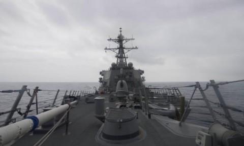 Kapal Perang Rusia Ancam Tabrak Perusak Milik AS