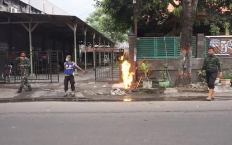 Diduga Bocor, Pipa Gas PGN Semburkan Api