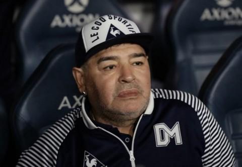 Diego Armando Maradona Meninggal Dunia