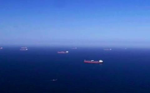 Tanker Yunani Terkena Ledakan dari Kapal Houthi di Arab Saudi