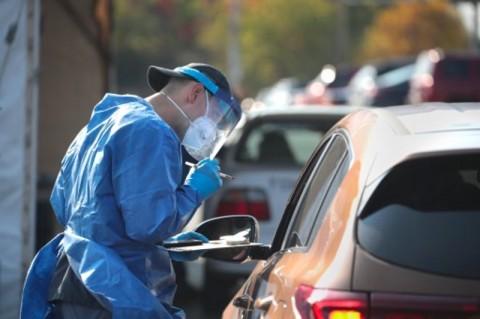 Kematian Harian Akibat Covid-19 AS Lampaui 2.000, Rumah Sakit Penuh