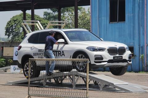 BMW Astra Menantang Kemampuan Mengemudi Para Konsumennya