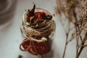 Bolehkah Konsumsi Obat Herbal dengan Obat Dokter Bersamaan?