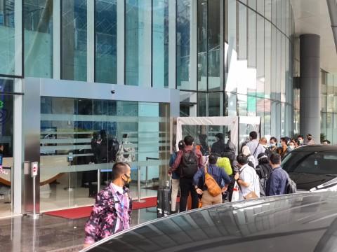 Novel dan Rombongan Penyidik KPK Geledah Bekas Kantor Edhy Prabowo