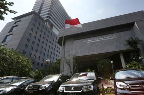 Gaji dan Tunjangan DPRD DKI Meroket