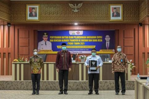 Gubernur Aceh Serahkan DIPA dan TKDD Rp48,9 Triliun